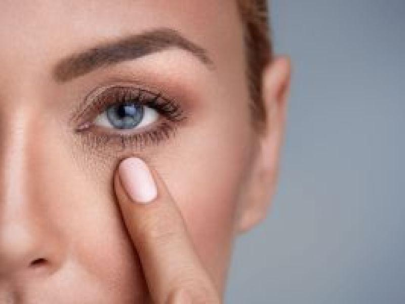 Cómo prevenir arrugas en ojos
